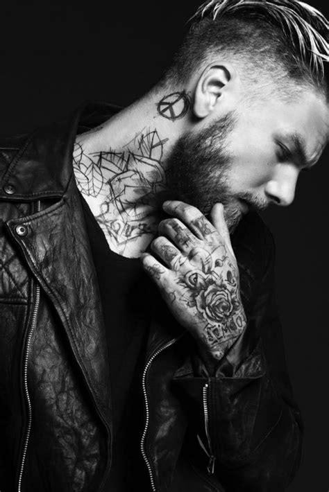 Resultado de imagen para tatuaje en el cuello pequeño | Tattoos for guys, Beard tattoo, Tattoos