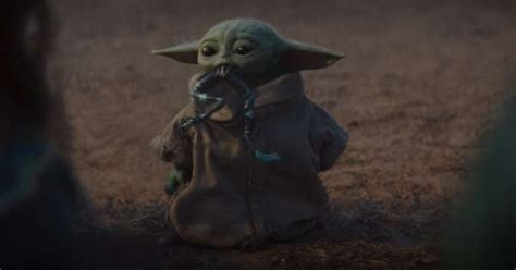 Baby Yoda returns in first look at The Mandalorian season 2