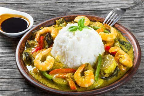 cuisine thailandaise recettes faciles recette curry vert de crevettes thaï