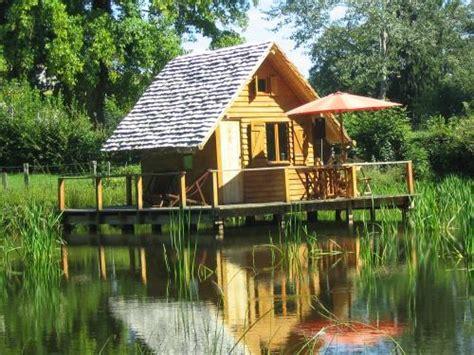 chambres d hotes morvan cabane sur l 39 eau sud morvan insolite chambre d 39 hôtes à poil