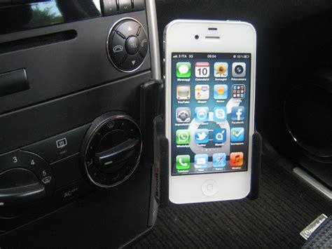 Porta Iphone Per Auto by Viaggiamo Sicuri Con I Nostri Idevice Supporto Auto
