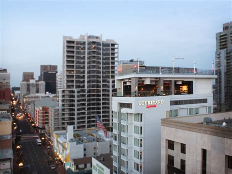 100 marriott gasl rooftop bar 43 best hotel