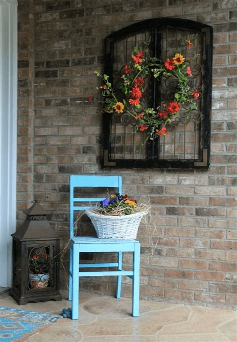 I have to admit, decorating for fall isn't something i normally do…i usually skip straight from summer to halloween. Exterior Games: How to Decorate a Brick Wall Outside