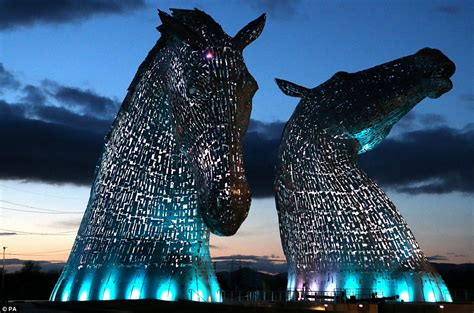 Stunning Pictures Of The Kelpies Show 300tonne Steel