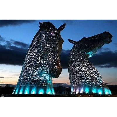 Stunning pictures of The Kelpies show 300-tonne steel
