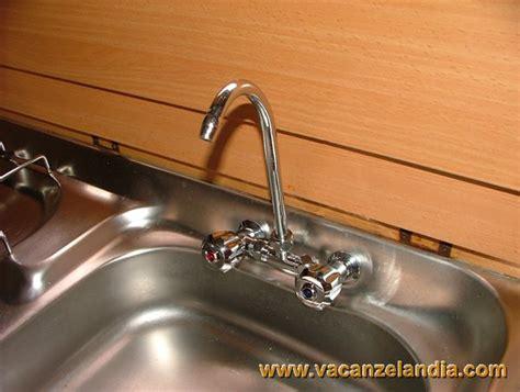 sostituzione rubinetto cucina vacanzelandia