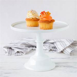 Tortenplatten Mit Fuß : baker cake stand tortenplatte mit fu in wei von mosser glass cake stands bei home of cake ~ Eleganceandgraceweddings.com Haus und Dekorationen
