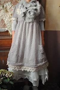 Petite robe romantique avec dentelles atelier des for Robe romantique dentelle
