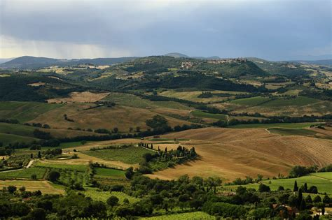tuscan landscaping file tuscan landscape 2 jpg wikimedia commons