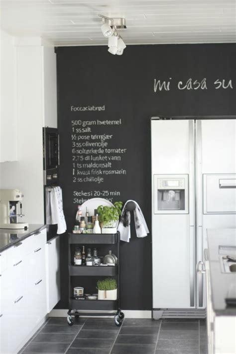 tableau magnetique cuisine 35 creative chalkboard ideas for kitchen décor digsdigs