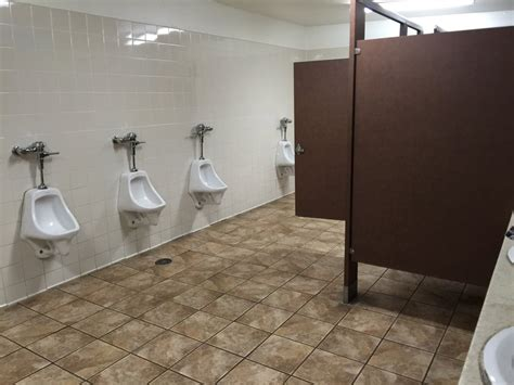 mens restroom  dividers   urinals