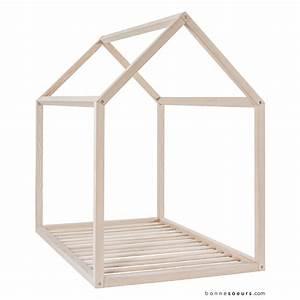 Lit Maison Bois : lit maison bonnesoeurs pour chambre enfant les enfants du design ~ Teatrodelosmanantiales.com Idées de Décoration