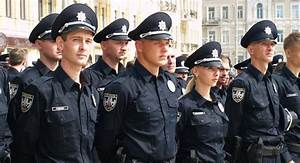 Helping to build Ukraine's new police force | OSCE
