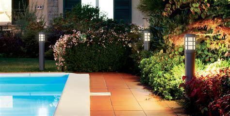 Illuminazione Per Esterni Giardino Illuminare L Estate Con I Lioni Da Giardino E Non