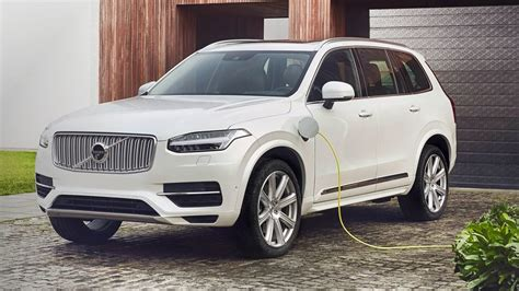 volvo  cover    sales  electric vehicles