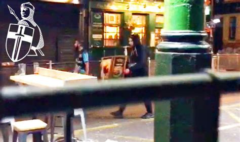 borough market attack london terror attack jihadis walk calmly during borough
