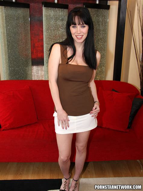 Rayveness Gets Her Mouth Filled 57610