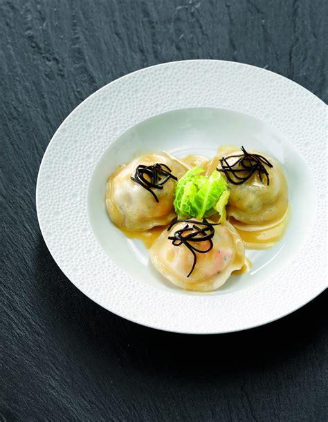 recette de cuisine de chef étoilé ravioli de langoustines aux truffes par joël robuchon