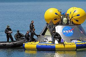 How do space capsules float on water? - Space Exploration ...