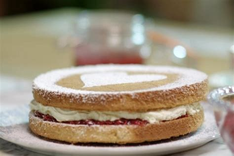 It seems the whole nation has gone crazy for baking traditional british cakes and buns, with the classic victoria sponge cake right at the top of the list. John Torode and Lisa Faulkner Victoria sponge with raspberry jam recipe on John and Lisa's ...