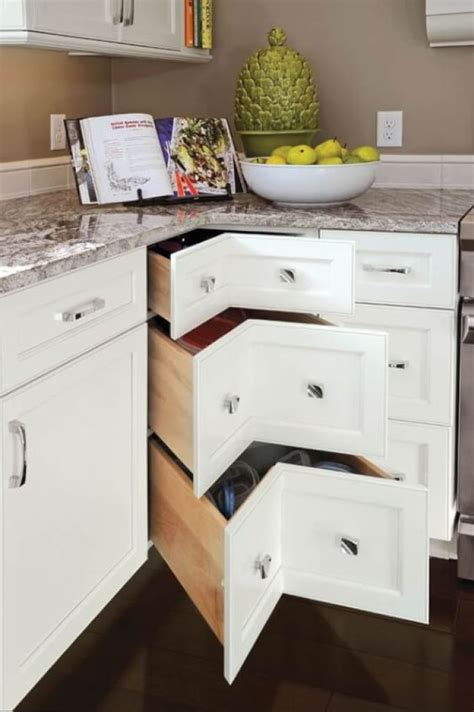 antique white kitchen cabinets ideas   remodel