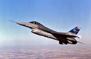 F-16 Fighting Falcon Fighter Jet With Diverterless ...