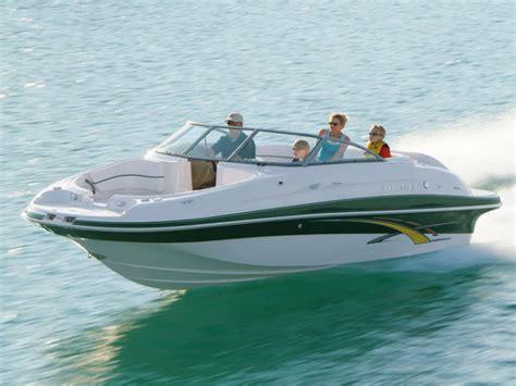 Four Winns Boats by Research Four Winns Boats 204 Funship Deck Boat On Iboats