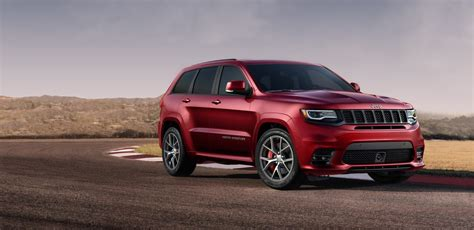 trackhawk jeep srt the grand cherokee trackhawk will not kill off the grand