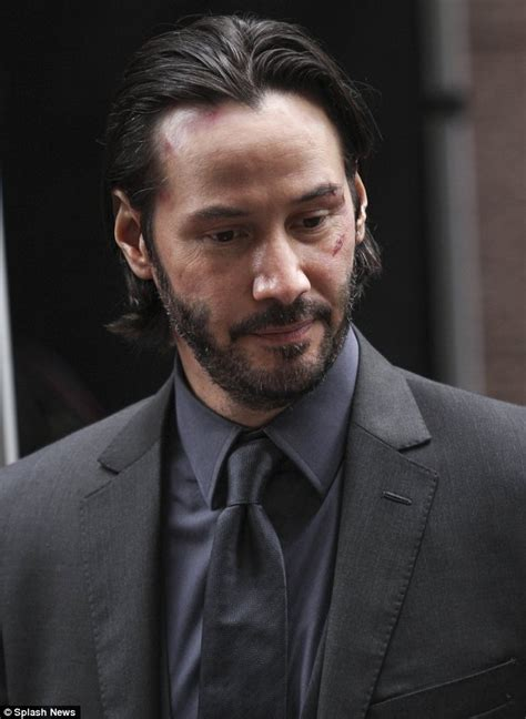 Keanu Reeves reveals cut and bruised face on Brooklyn set ...