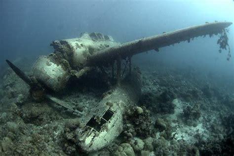 plane crash underwater  water pinterest