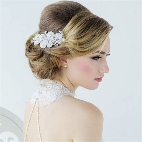 top  simple hairstyle   party  syleoflady