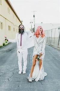 Rock 39n39 roll couple hits vegas to have an quotun wedding for Crazy las vegas weddings