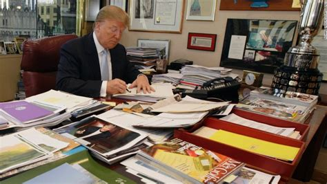 what desk is trump using trump 39 s desk on display clutter and all cnnpolitics