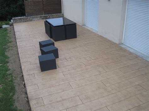 zäune beton sichtschutz terrasse all 233 e pi 233 tonne ou carrossable