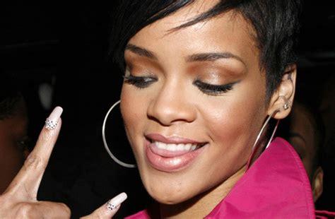 Rihanna Drops 'cockiness (love It)' Remix Sportainmentblog
