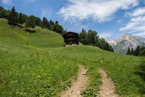 hotel casa cer poze peisaj natură pădure iarbă munte cer traseu