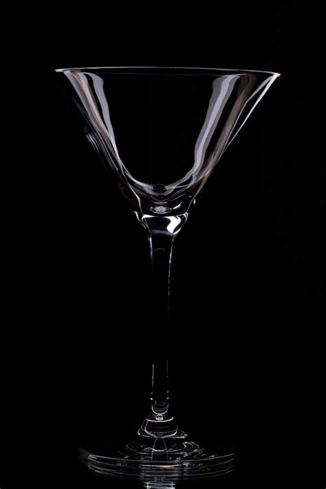 martini glass background glass in a black background photo free download