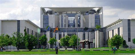 Bundeskanzleramt Berlin by Bundeskanzleramt Regierungsgeb 228 Ude Berlinstadtservice