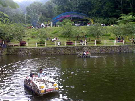 menyusuri hijaunya taman wisata kaliurang yogyakarta
