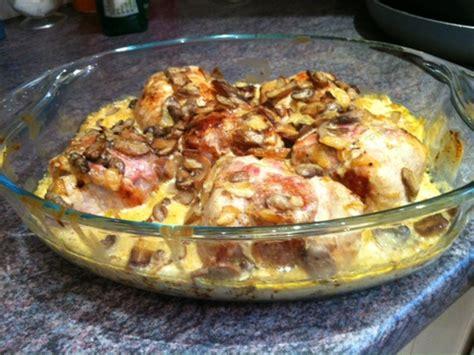 cuisiner paupiettes de porc paupiettes de porc à la crème et aux chignons recette paupiette de porc paupiette et le