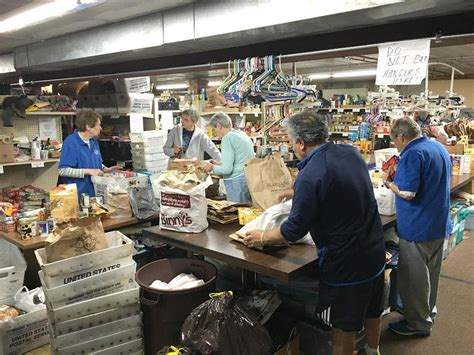 Downers Grove Fish Food Pantry Receives 25,000-pound