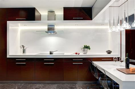 sharp white brown kitchen design  den architecture