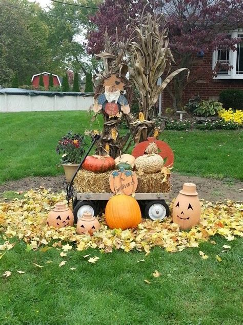 Decorating Ideas For Fall Outside by Outdoor Fall Decorations Pictures Photos And Images For