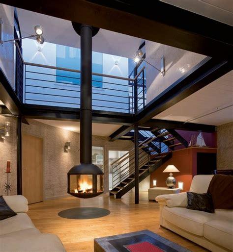 chambre parentale 20m2 la cheminée suspendue le design spectaculaire du chauffage