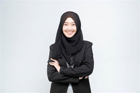 tutorial hijab formal  wanita karier  elegan
