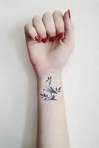 Tatouage Femme Poignet : tatouage poignet femme oiseau tatouage 40 jolies id es ~ Melissatoandfro.com Idées de Décoration