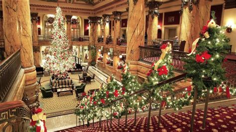 the top 14 magical christmas towns in virginia