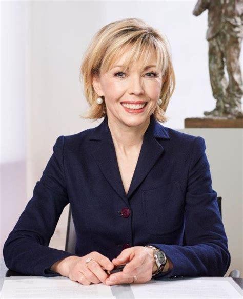 August 1963 in neuburg an der donau als doris köpf) ist eine deutsche journalistin und buchautorin. Schröder-Köpf zu Özil-Debatte - RADIO 21 - bester ROCK 'N POP