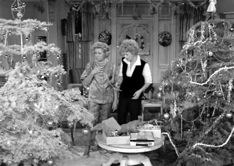 Lucille Ball And Vivian Vance In The 1962 Christmas Episode Of The Lucy Show  Tv  I Love Lucy