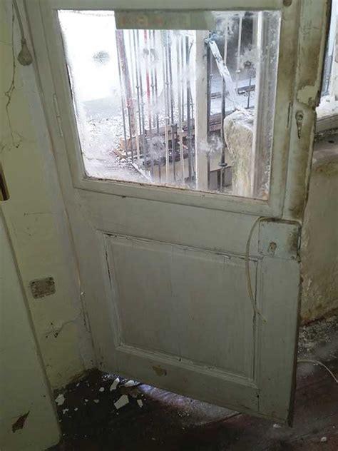 Alte Fenster Und Tueren Sanieren Lack Ab Holz Schuetzen by Holzfenster Sanieren Holzfenster Sanieren Haus Dekoration